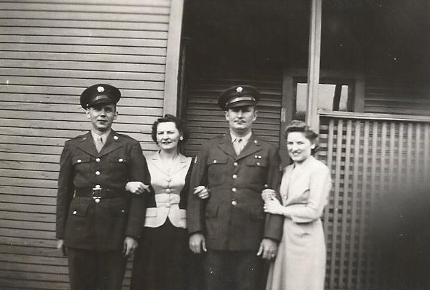 Dec 26 1943 Walter Arens - Mary & George Jacobs - Betty